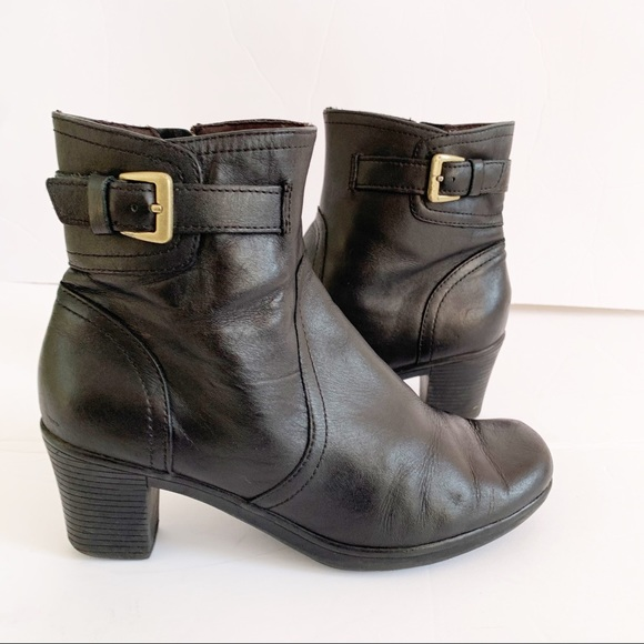 Clark's Black Leather Ankle Bootie Side Buckle 8